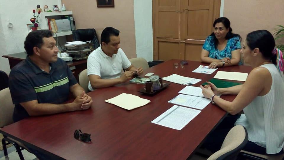 744a656a66 Club de Leones Dr Enrique Zamora Diaz AC Este dia el club hizo entrega de  medicamentos a personas de escasos recursos y entrega de medicamentos al  Hospital ...